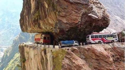 World's Most Dangerous Roads