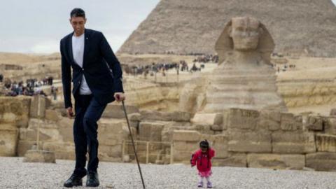 World's Tallest Man Meets World's Shortest Woman
